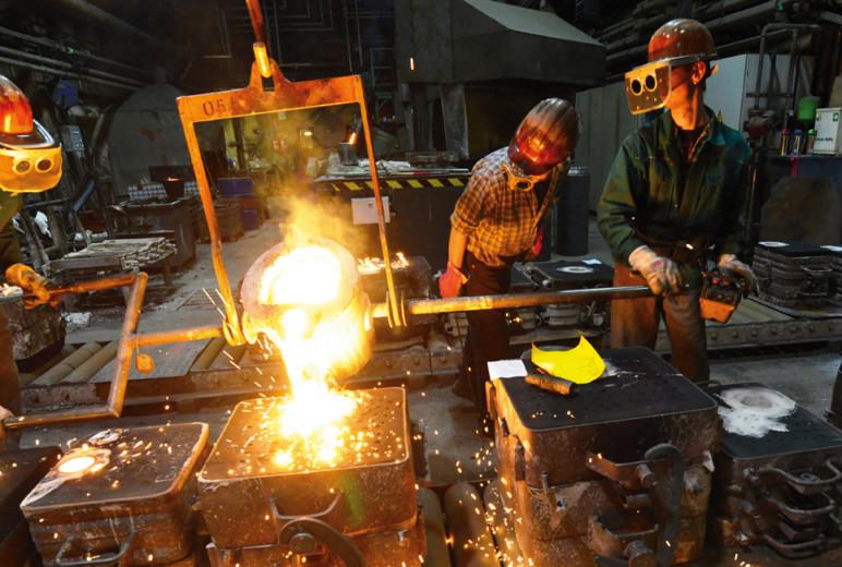 PSA: Schuhe gegen Metallschmelzen