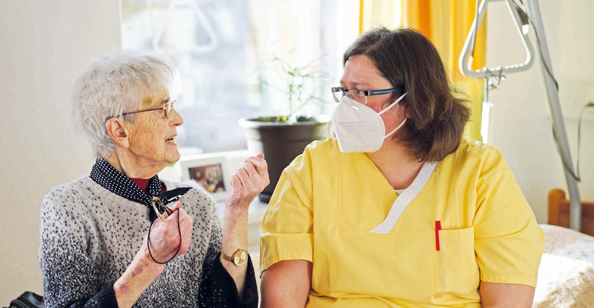 Im Schleudergang durch die Krise: Alten- und Pflegeheime in Corona-Zeiten