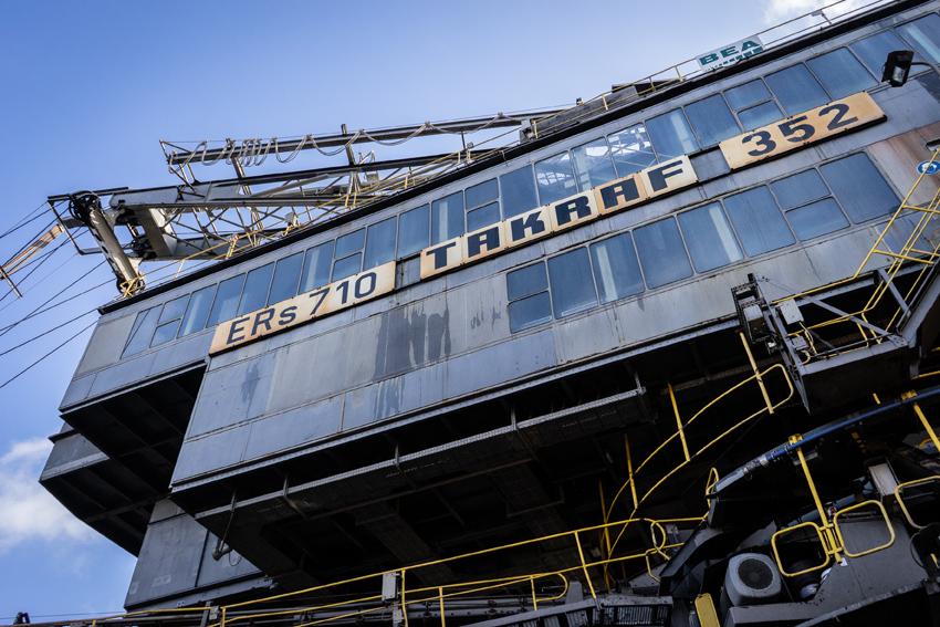 Der Eimerkettenbagger ERs 710 baggert im Schnitt rund 1.400 m³ Kohle pro Stunde. Foto: Thomas Bär